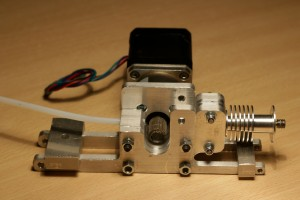 02 - Stepper motor gear hot end extruder